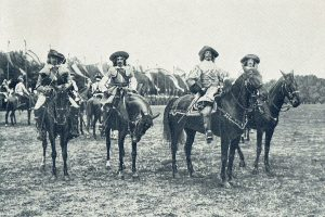 Von links Oblt O´DONELL, Rittm BUFFA, Erzherzog Franz Salvator, Lt FRANZ.