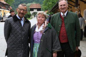 SKH Georg HABSBURG Lothringen mit der Fahnenpatin Maria Assunta Chruístine Gräfin zu PAPPENHEIM und ihr Gatte Alexander Graf zu PAPPENHEIM.